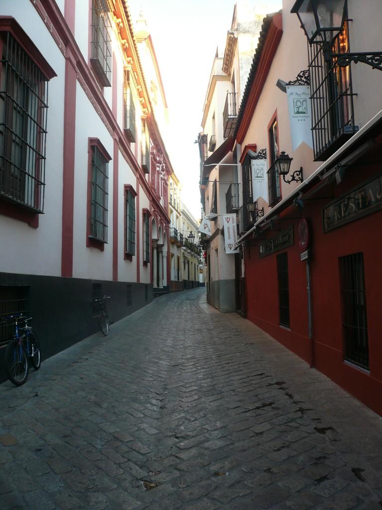 ruelle - quartier de Santa Cruz à Séville