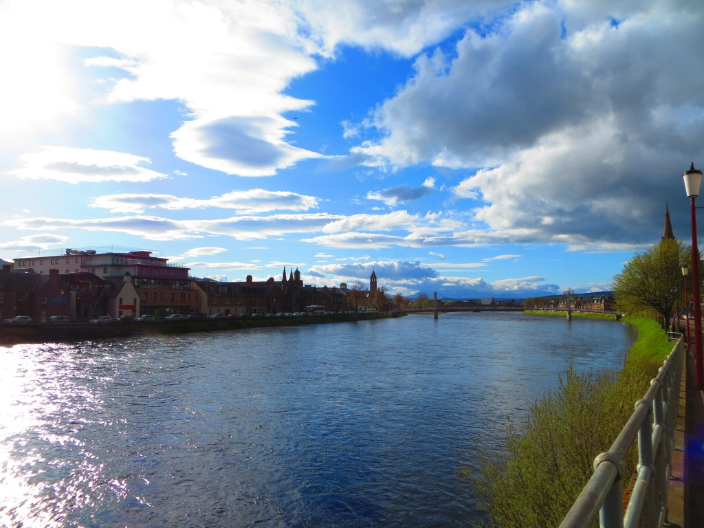 la river Ness - Inverness