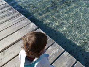 enfant sur la plage de Santa-Giulia - Corse