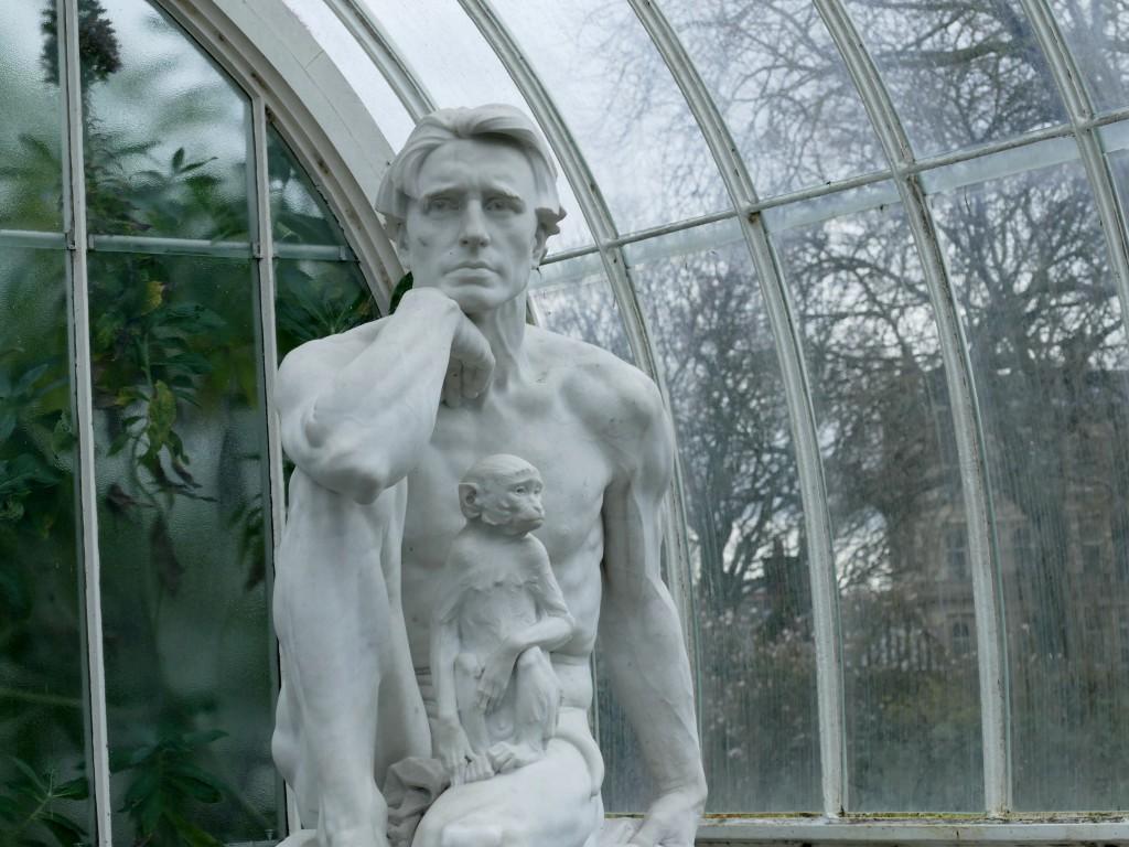 sculpture dans le jardin botanique de Glasgow