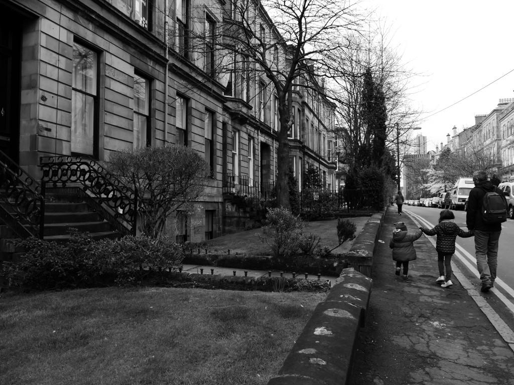 famille dans les rues de Glasgow