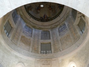 chapelle des anciens hospices de Hautefort et le musée de la médecine (Dordogne)