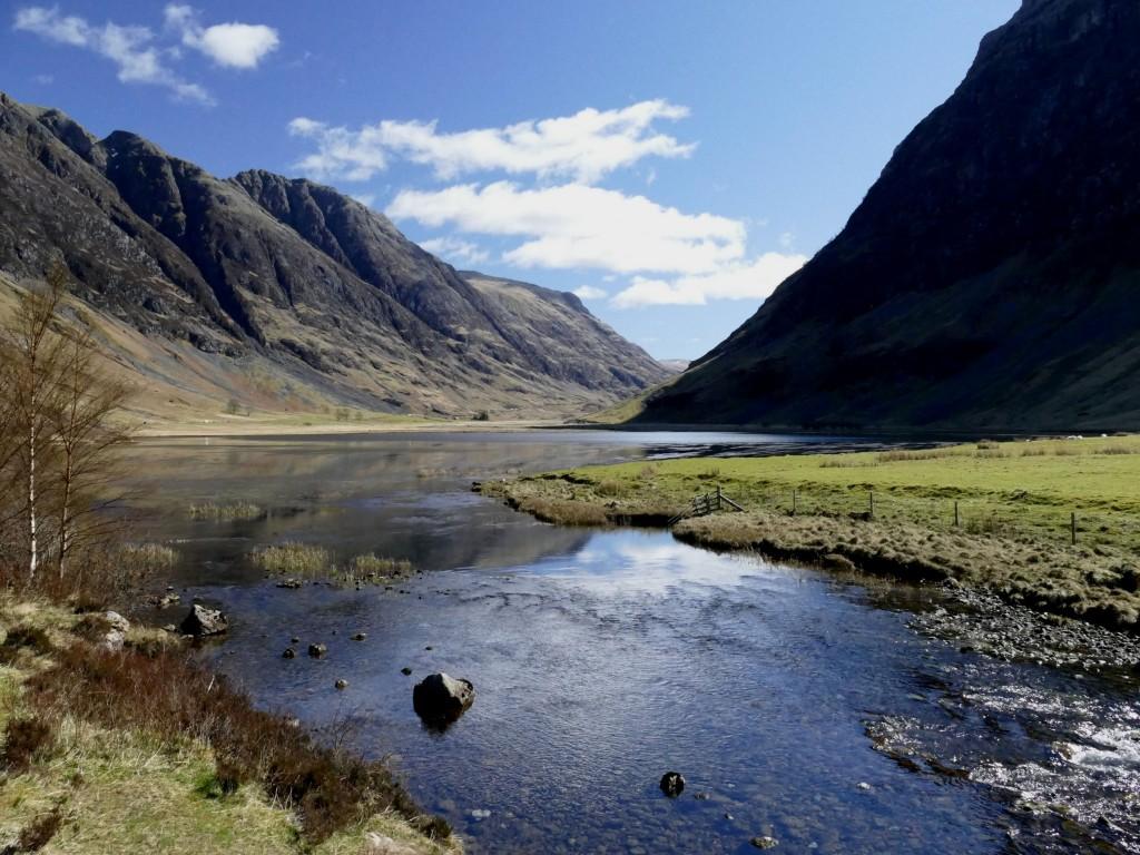 rivière dans le Glen Coe (Ecosse)