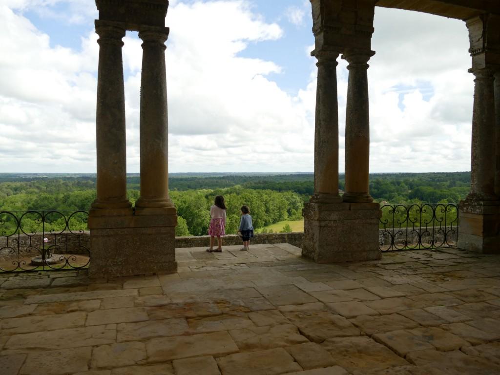 terrasse du château de Biron en Dordogne