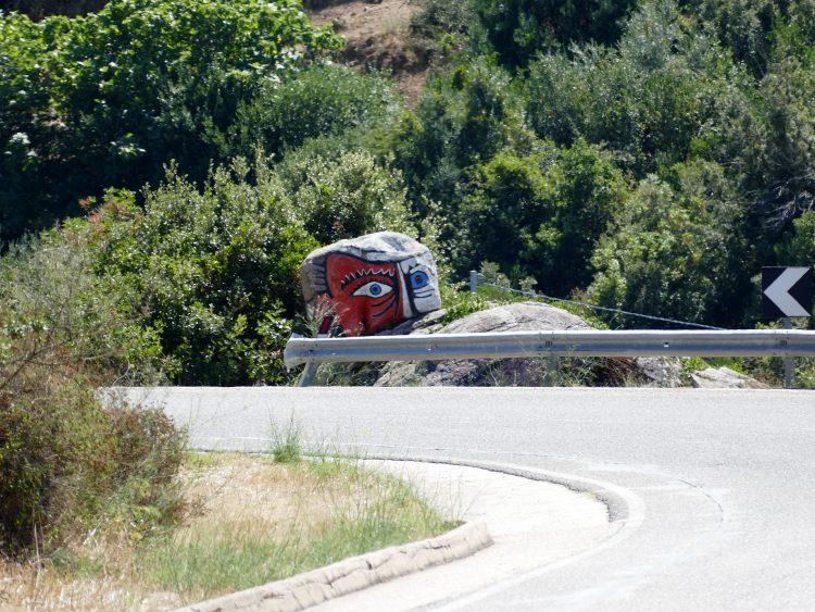 Le rocher le plus célèbre de Sardaigne qui marque l'entrée du village