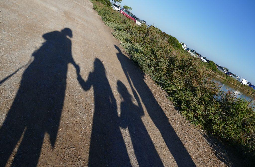 ombre d'une famille aux Arequiers