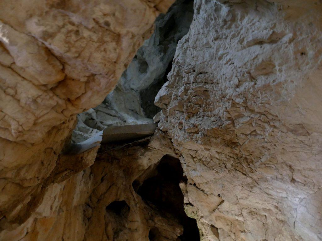 plafond roche dans le château de Predjama