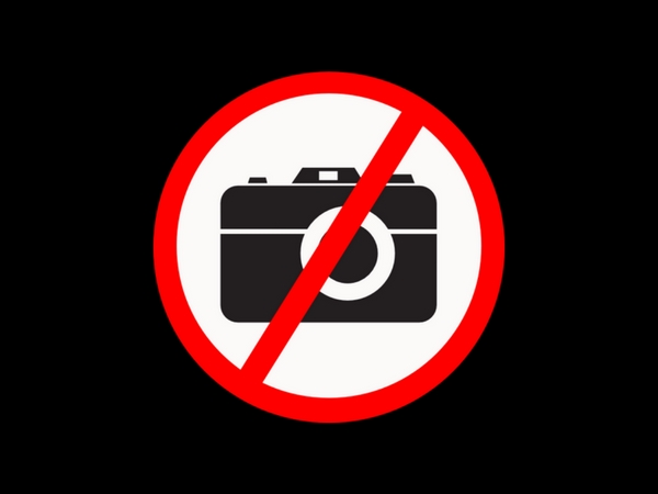 PHOTO FORBIDDEN