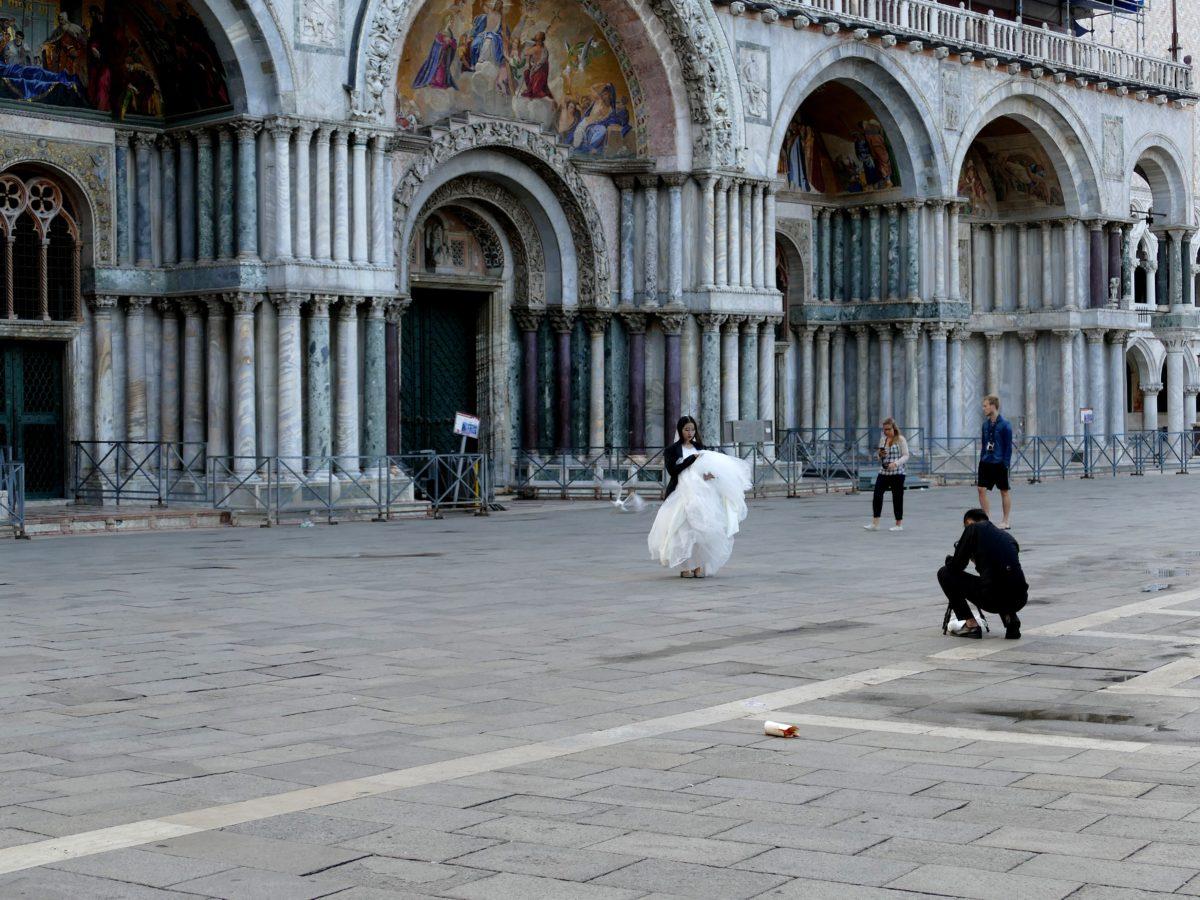 Mariée devant San Marco