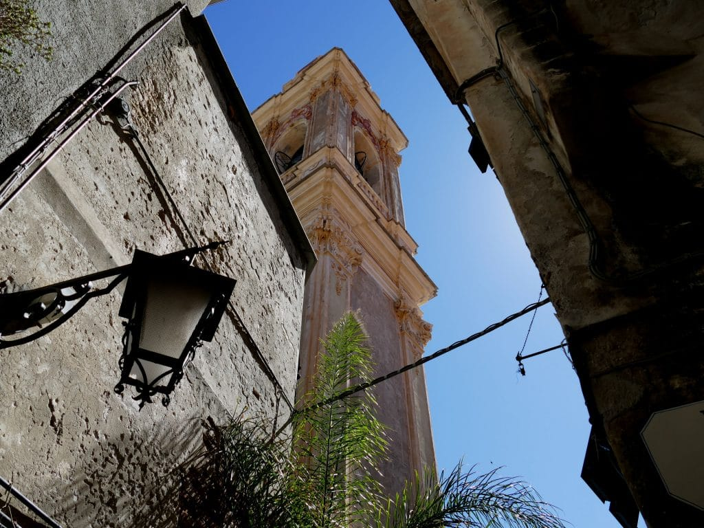 clocher de l'église de Cervo - Liguria