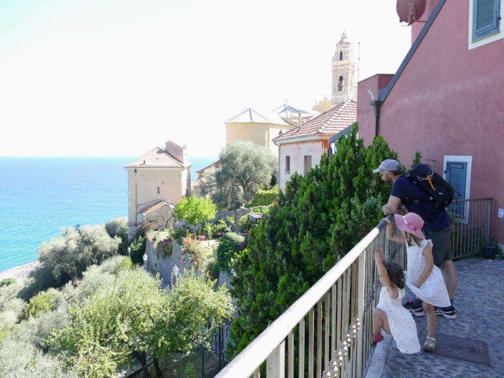 Vue depuis une terrasse de Cervo - Liguria