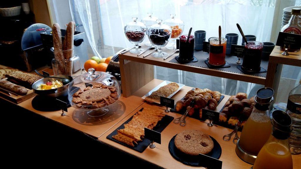 petit déjeuner hôtel athénée Toulouse