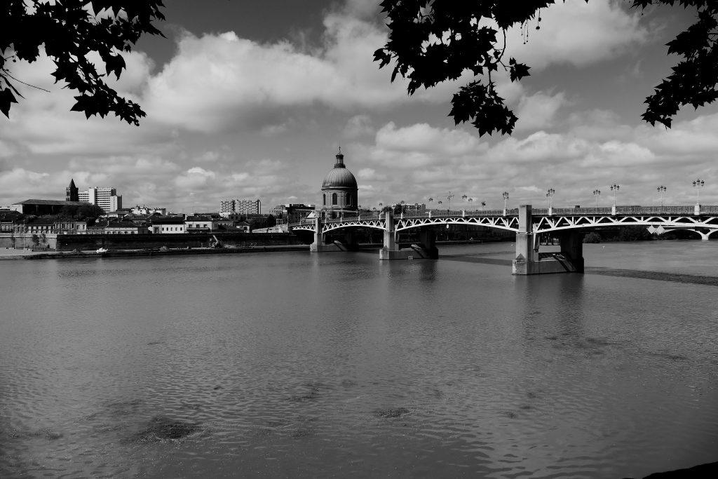 pont saint-pierre et dôme de la Grave à Toulouse