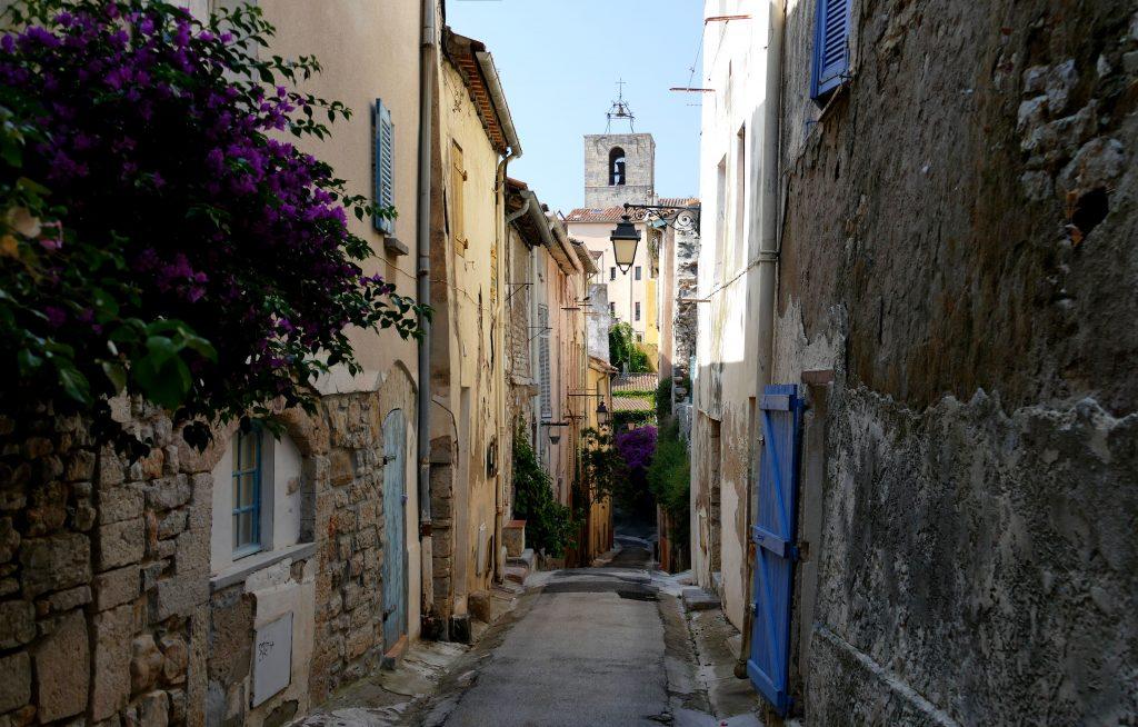 ruelle dans le quartier médiéval de Hyères