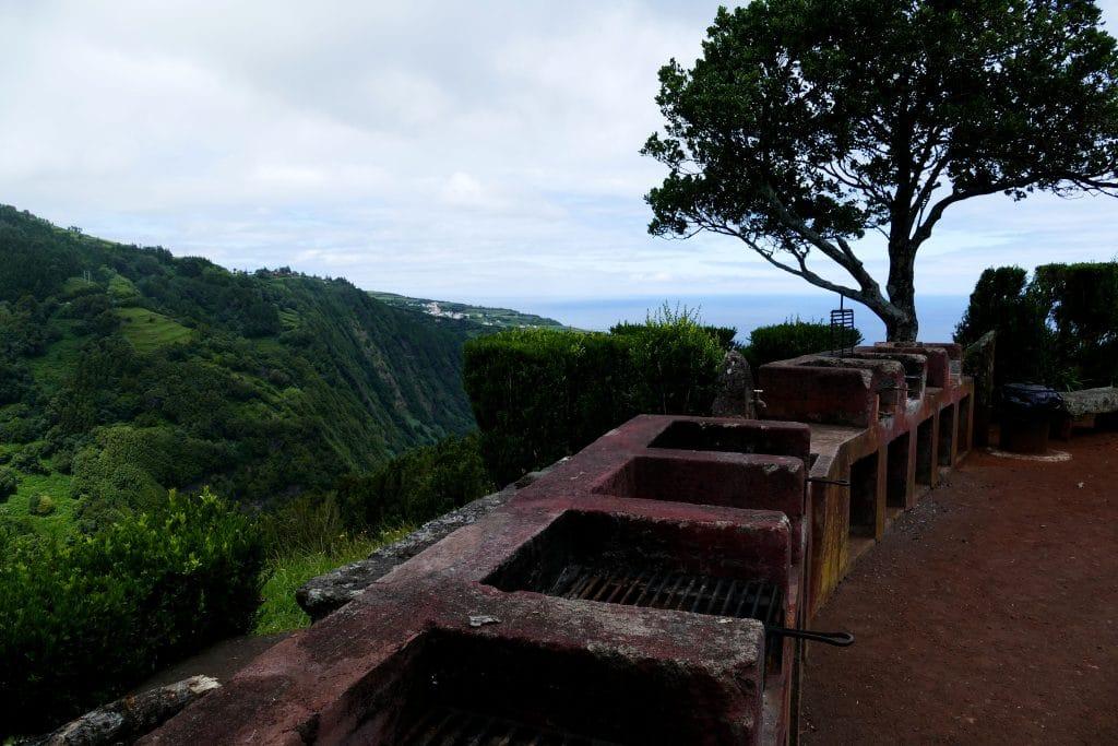 barbecue sur un miradouro de Nordeste ( Açores)