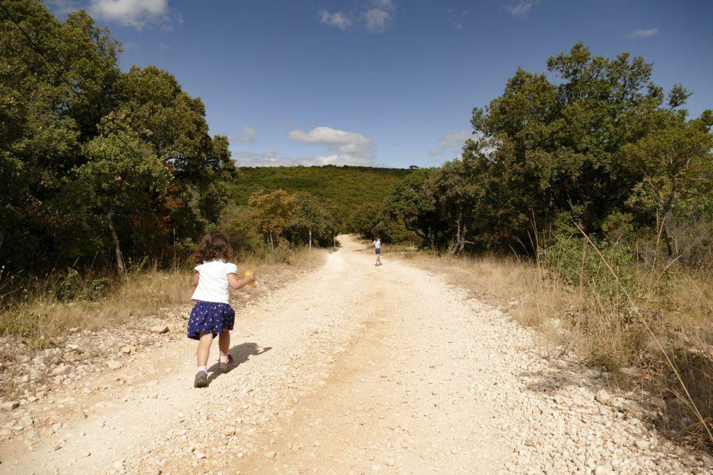sentier de randonnée du hameau de Montcalmès