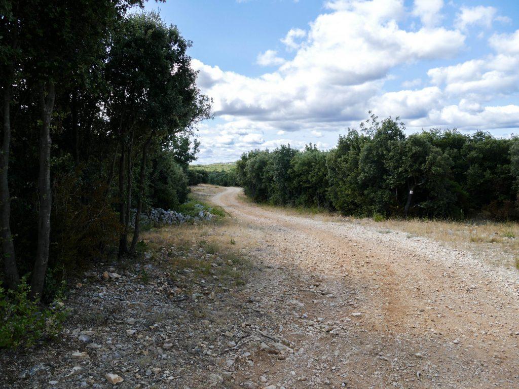 sentier hameau de Montcalmès - Hérault