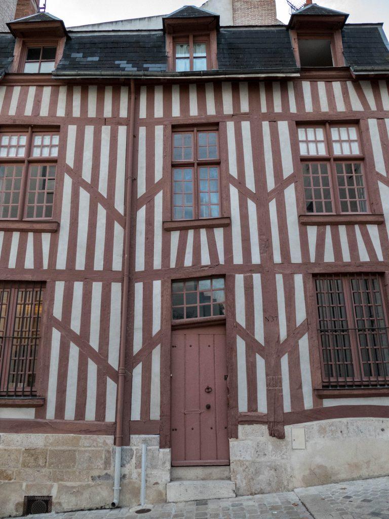 façade à colombage Orléans