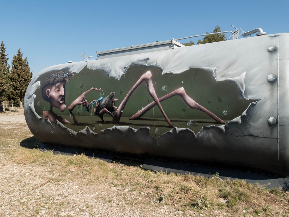 citerne graffée de cit'art - Vic La Gardiole