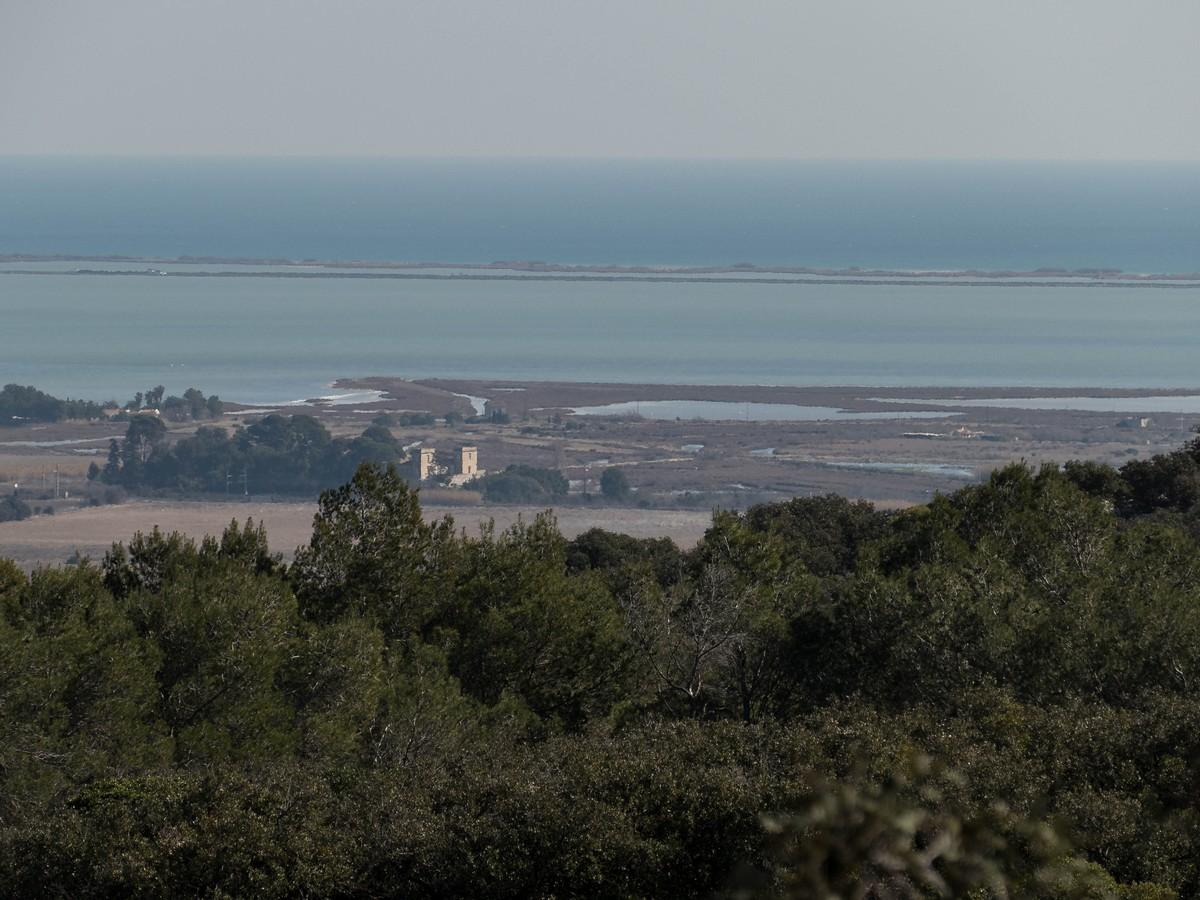 étang de Vic la Gardiole depuis la randonnée cit'art de Vic La Gardiole