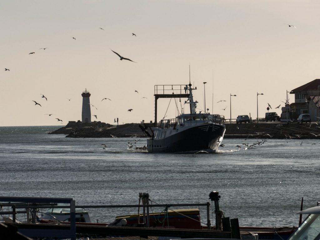 bateau qui rentre au port - grau d'Agde