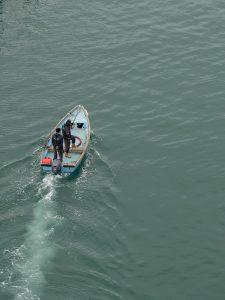 bateau dans le port de sète