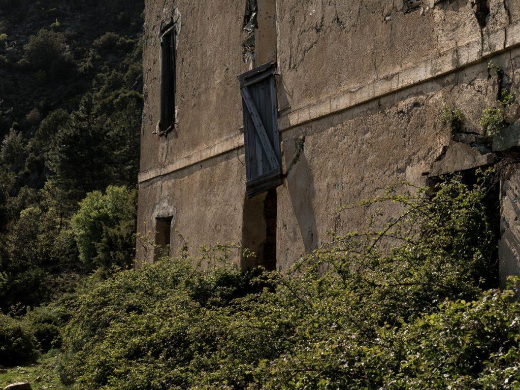 maison en ruine à Rosse- Corse
