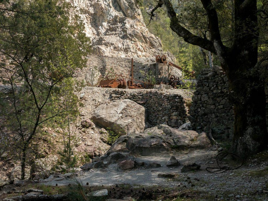 chemin de vecchia mina - corse