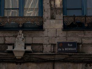petite madonne sur un mur de Lille