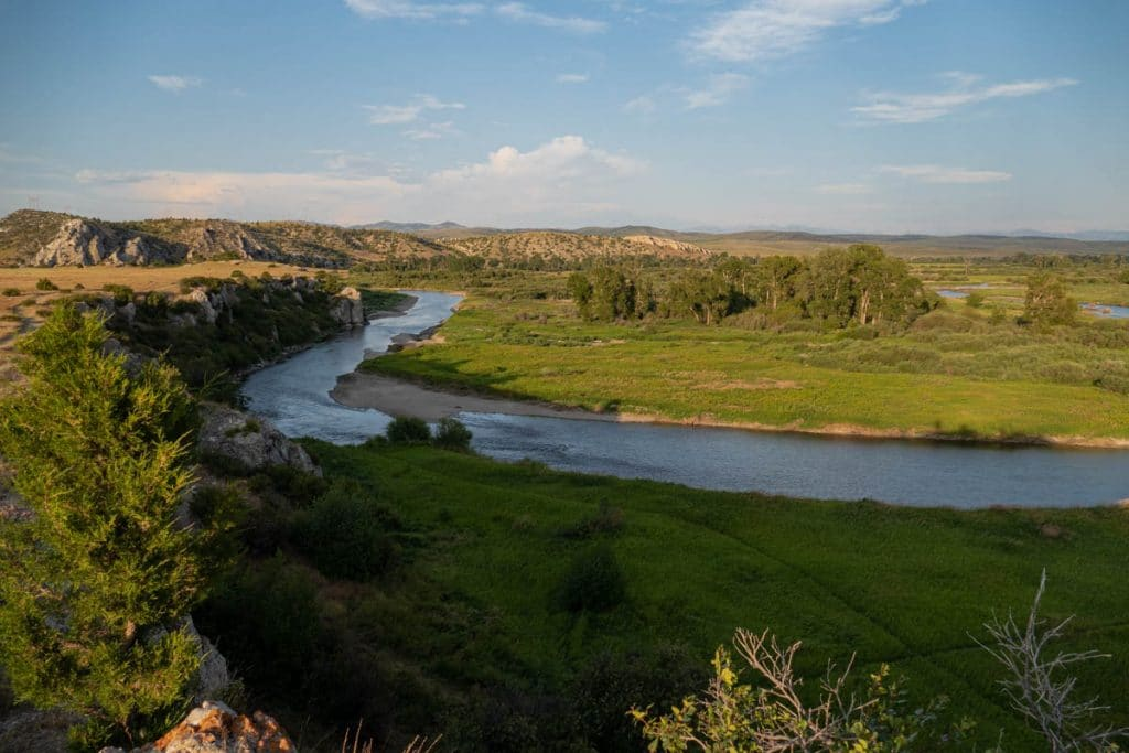 la gallatin river au niveau de missouri headwaters